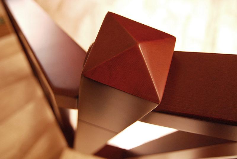 Detall acabament pilar amb forma de piràmide