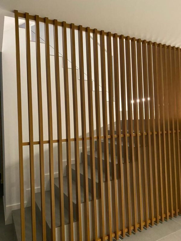 llistons verticals fusta faig