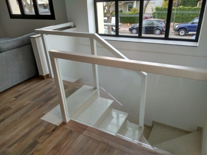 Barana combinada de vidre lacat en blanc